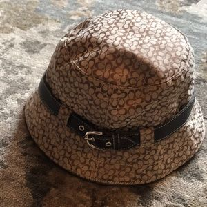 Coach Bucket Hat- Size Small EEUC
